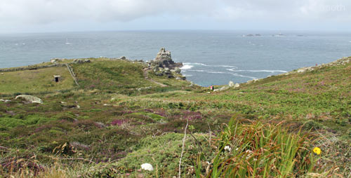 Walking thecoastal path around Land's End